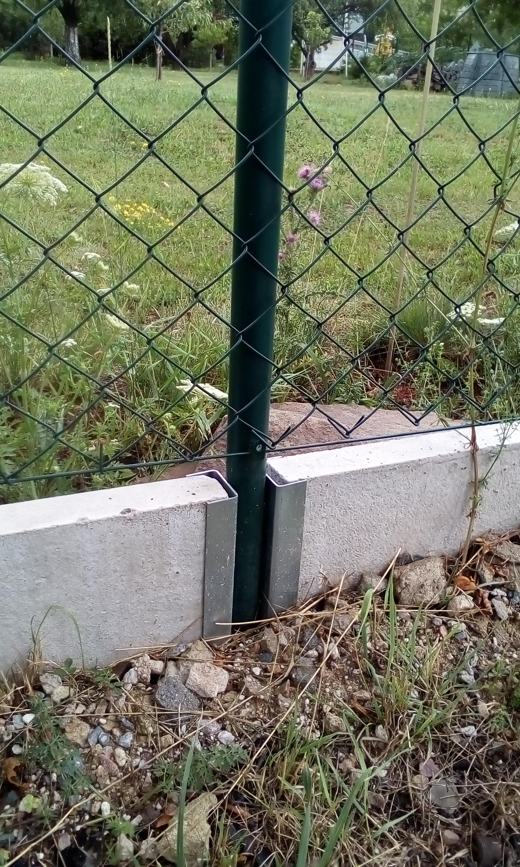 Montáž plotu s podhrabovými deskami